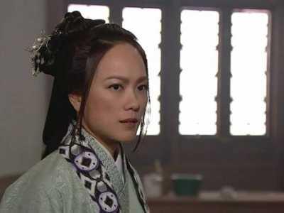 她是TVB前金牌监制戚其义御用女演员 简慕华